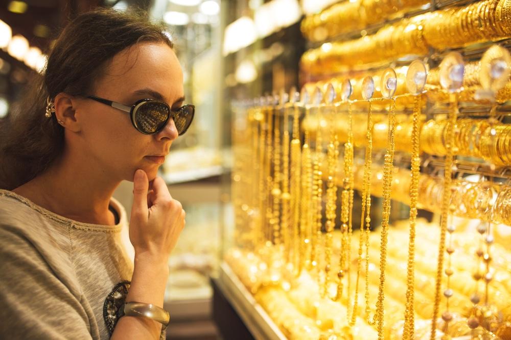 Zakupy w Dubaju podczas wyjazdu integracyjnego.