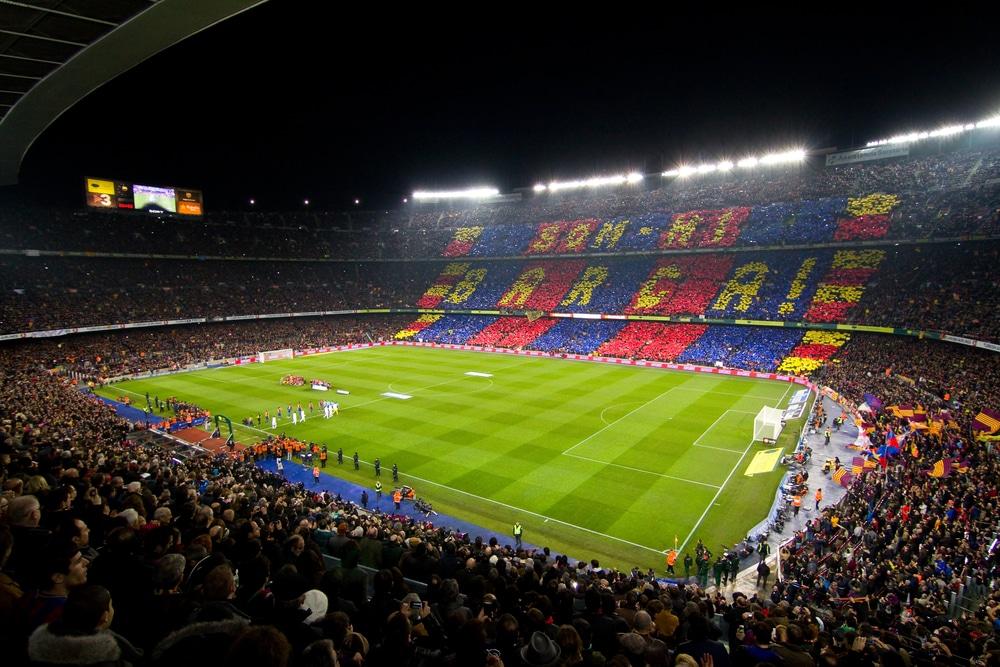 Mecz podczas wyjazdu firmowego do Barcelony.